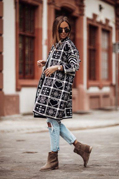 Cocomore czarny beż biel płaszcz sweter wzory